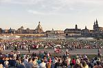 Dresden City Festival on the Banks of the Elbe River.  Photo: © Sven Döring for Dresden Marketing Board