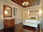 Merlin Guest House - Key West -Economy Queen Room