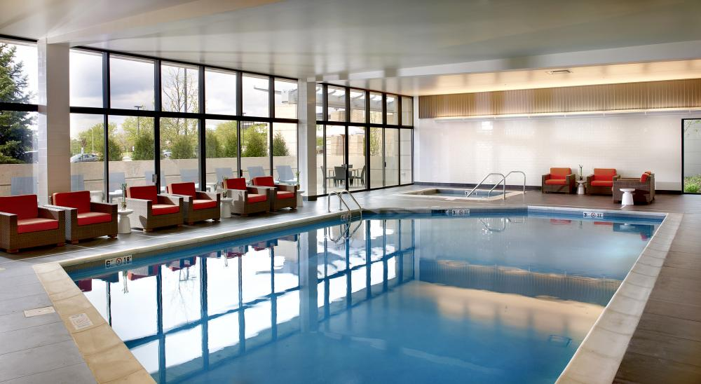 Chicago Marriott Naperville Pool